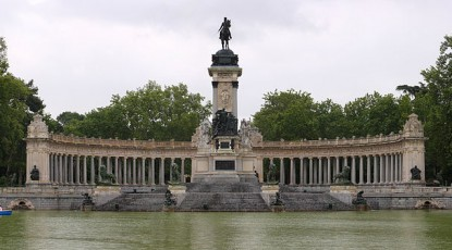 799px-Alfonso_XII_of_Spain_Mausoleum1-415x230.jpg